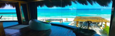 MARCH 16th/23 DEAL $ 1,900 usd  4 BDRS. Penthouse BEACHFRONT sleeps 9